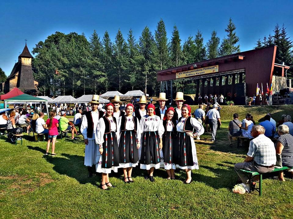 """Ansamblul folcloric """"Cetatea Codrului""""din Ardud, locul III la un festival în Polonia"""