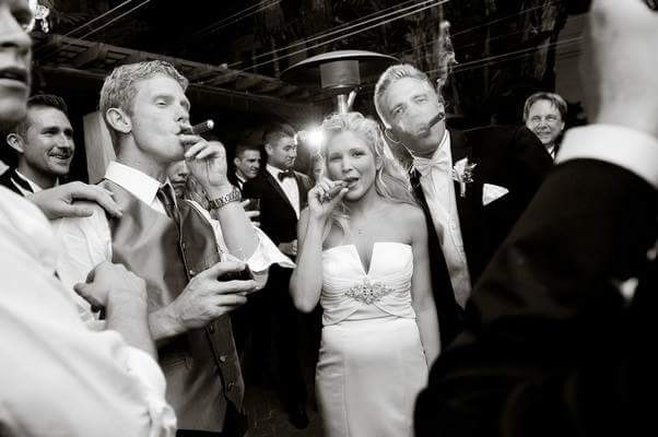 O sătmăreancă a lansat cel mai exclusivist serviciu pentru nunți – Cigar Bar