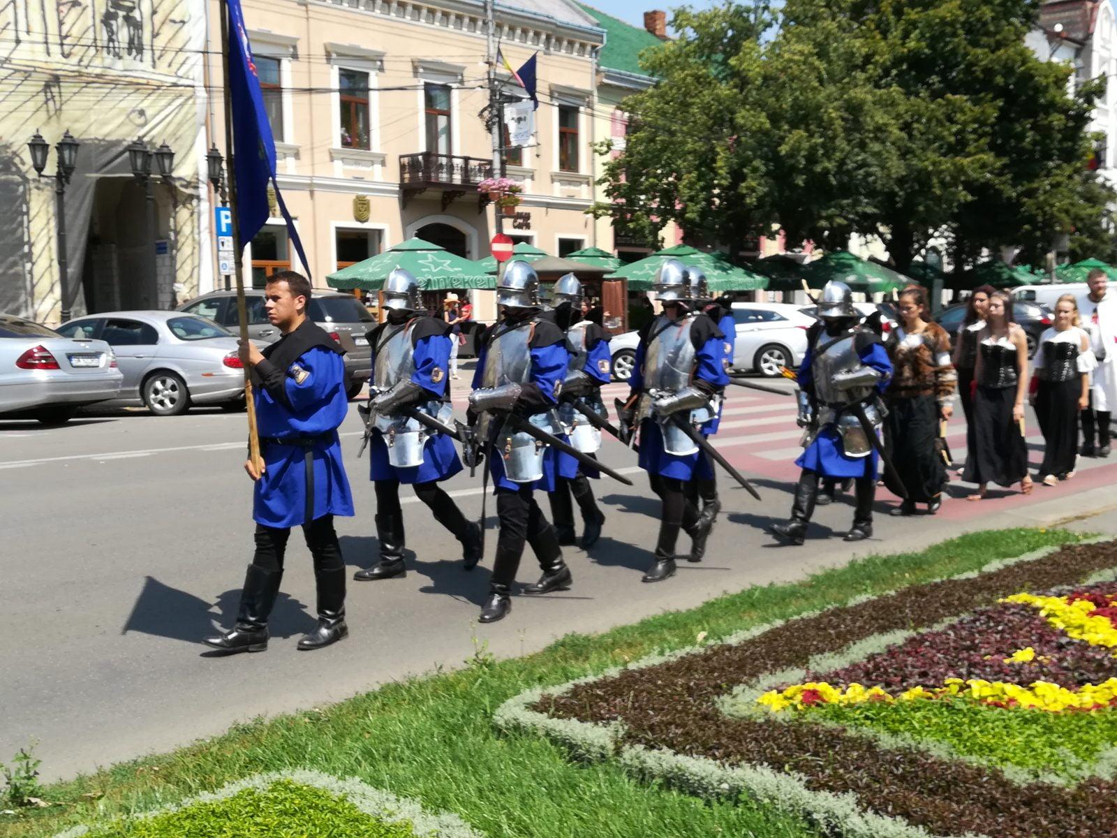 Cavalerii medievali au pus stăpânire pe centrul municipiului Satu Mare
