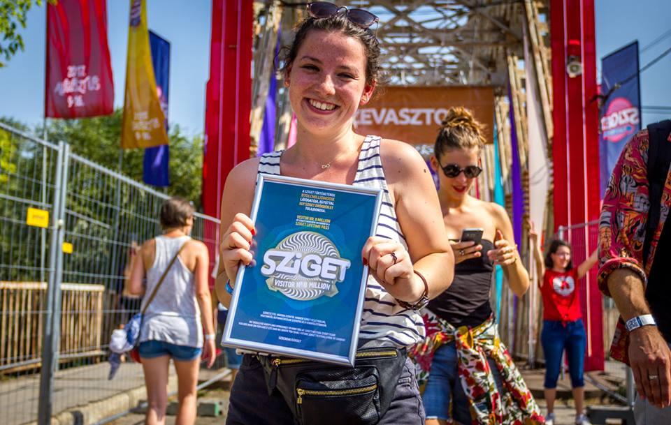 O tânără din Satu Mare a primit un abonament pe viață la Sziget Festival. A fost extrem de norocoasă