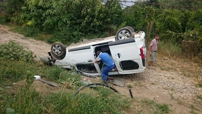 Un minor din Racșa a provocat un accident după ce a condus un jeep cu volan pe dreapta