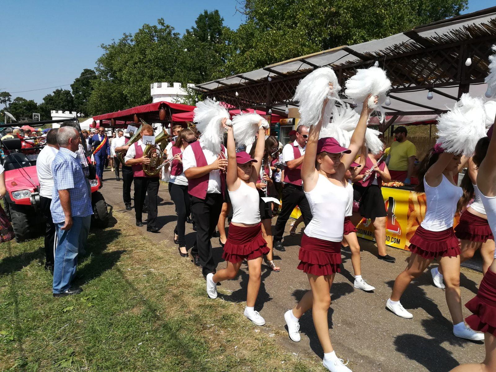 """""""Zilele Cetății Ardud"""" , un nou prilej de sărbătoare și bucurie pentru ardudeni – Parada Video"""