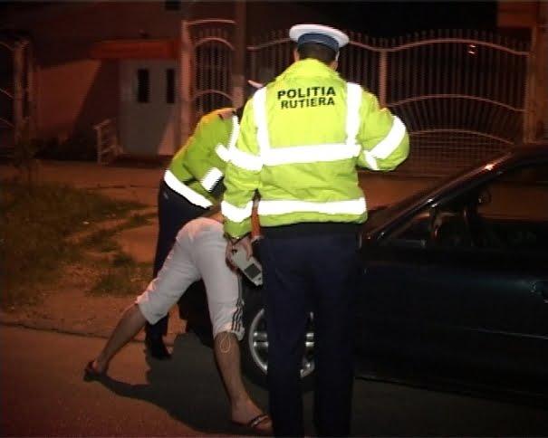 Tânăr de 20 de ani prins fără permis în Dorolț