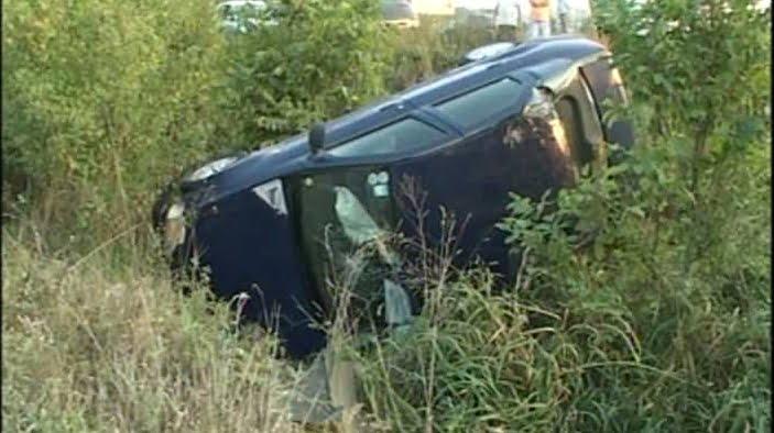 Un șofer din Boinești a ajuns cu mașina în șanț, rupt de beat