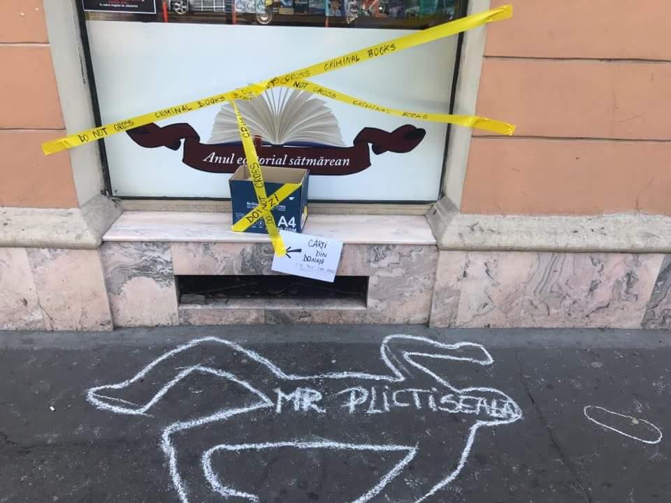 Protest împotriva inculturii. A murit așteptând cărți