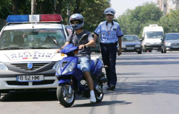Scuteriștii le dau de muncă polițiștilor din Gherța Mică