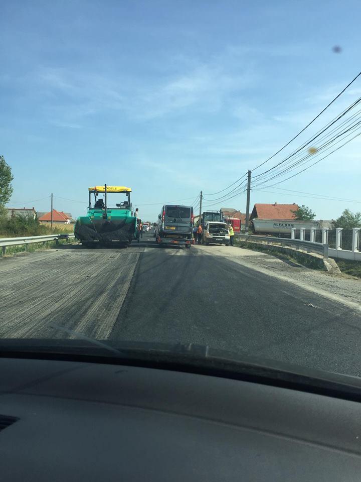 Lucrările la drumul de ieșire din țară aglomereză traficul spre Vama Petea