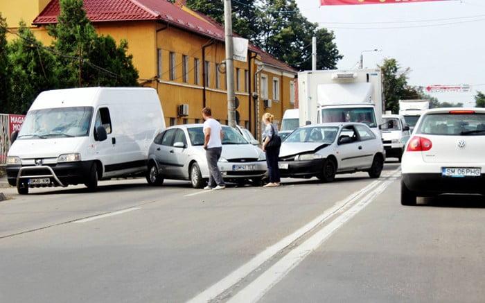 Accident pe strada Botizului. Un bărbat a fost lovit pe trecerea de pietoni