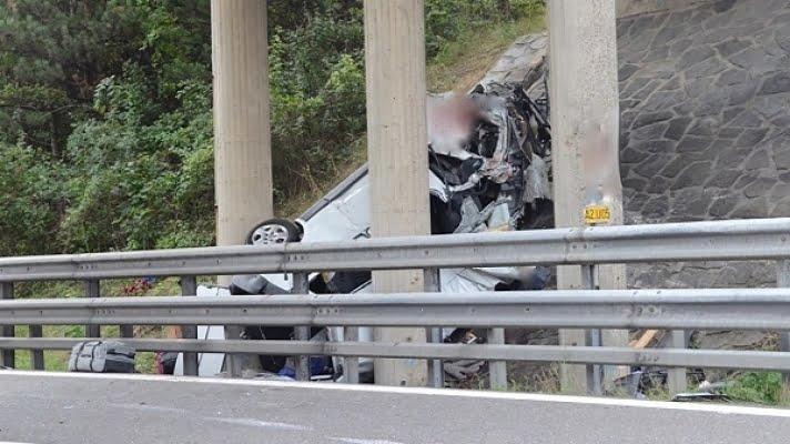 Șoferul mort în accidentul de la Viena avea doar 21 de ani. Dormise doar 2 ore înainte să pornească spre România