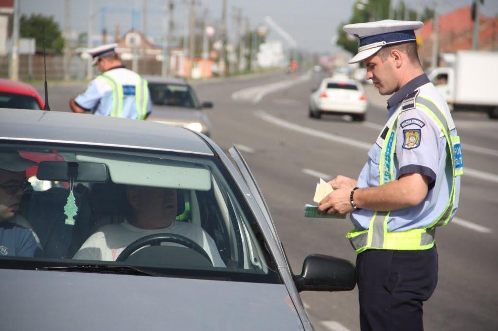 16 șoferi au rămas pietoni în wekend. 12 dintre ei aveau cu mai mult de 50km/h peste limita legală