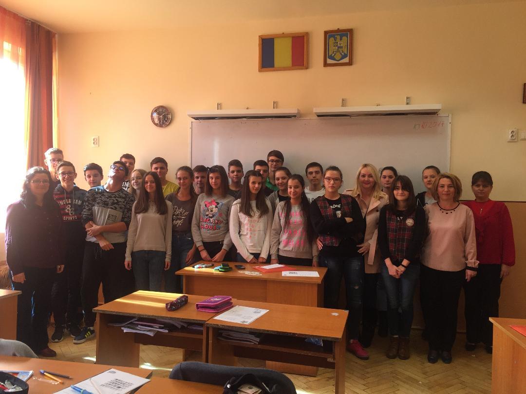 """Acțiune de conștientizare cu privire la consumul de droguri în rândulelevilor de la  Școala """"Bălcescu – Petofi"""""""
