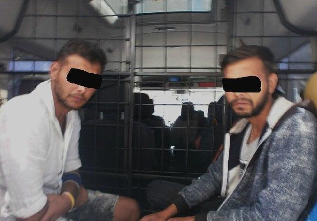 Polițiștii din Gherța și Tășnad au prins mai mulți hoți care au dat spargeri prin casele oamenilor