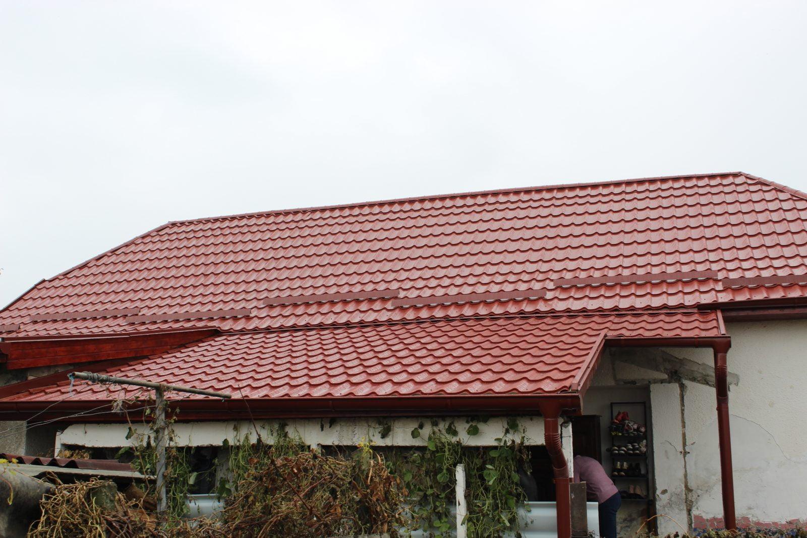 O casă de copii din județ are acoperiș nou datorită ambiției unor tineri care au reușit să mobilizeze sătmărenii
