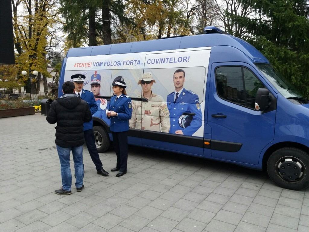 Jandarmii organizează sâmbătă o caravană pentru a-și găsi colegi noi. 700 de locuri disponibile