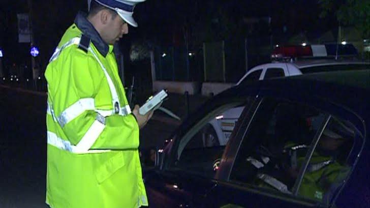Polițiștii din Gherța au prins un șofer atât de beat încât nu putea sta în picioare