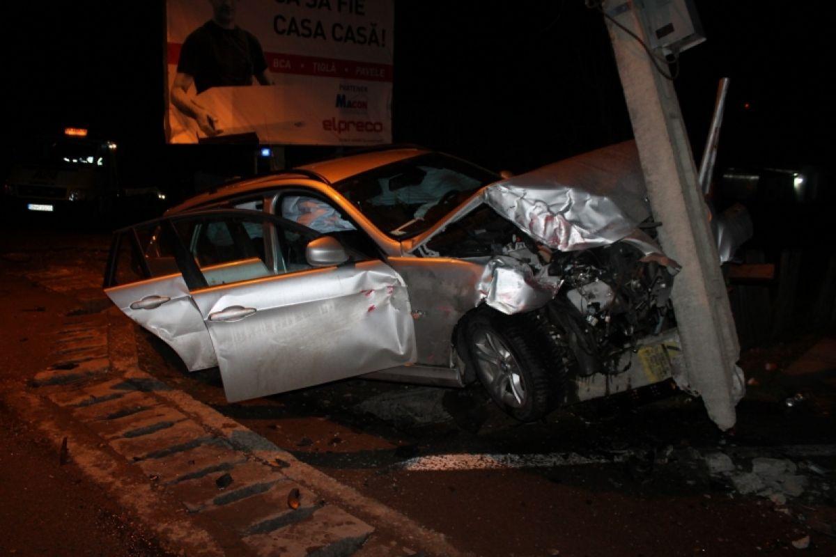 Accident grav în Amați! Două persoane au fost rănite serios