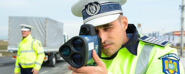 Trei șoferi prea grăbiți au fost prinși de polițiști în trafic cu viteze demne de autostradă