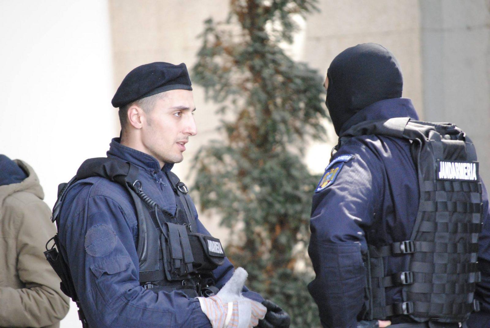Peste 150 de jandarmi vor fi prezenți pe străzi de Revelion și în zilele următoare