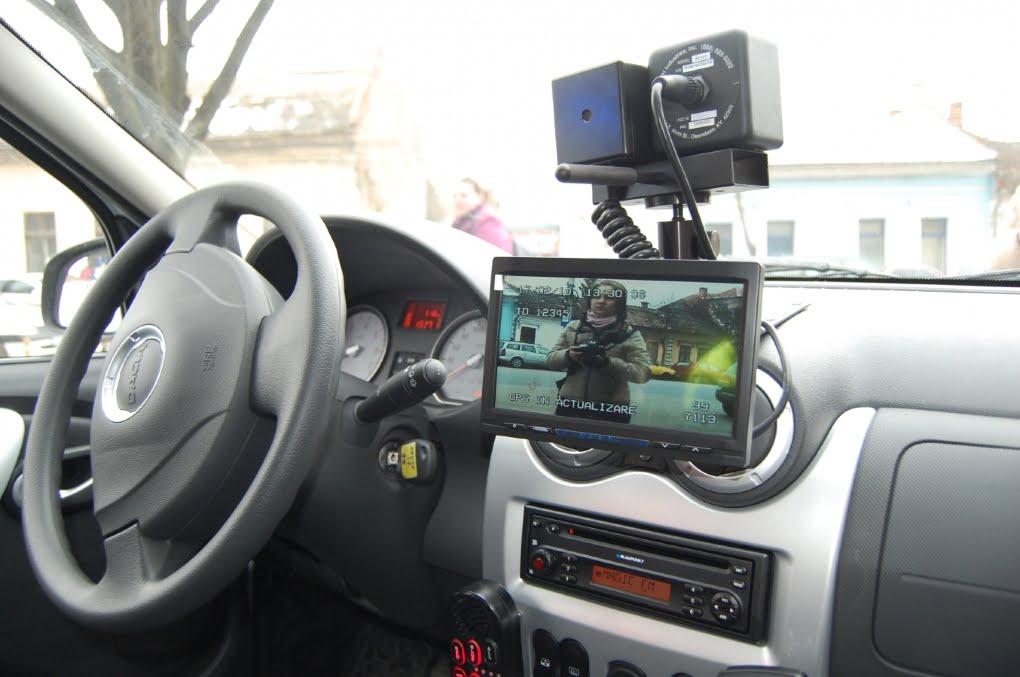 Șoferi care s-au crezut pe autostradă prin Dorolț și Odoreu au fost lăsați fără permise de polițiști