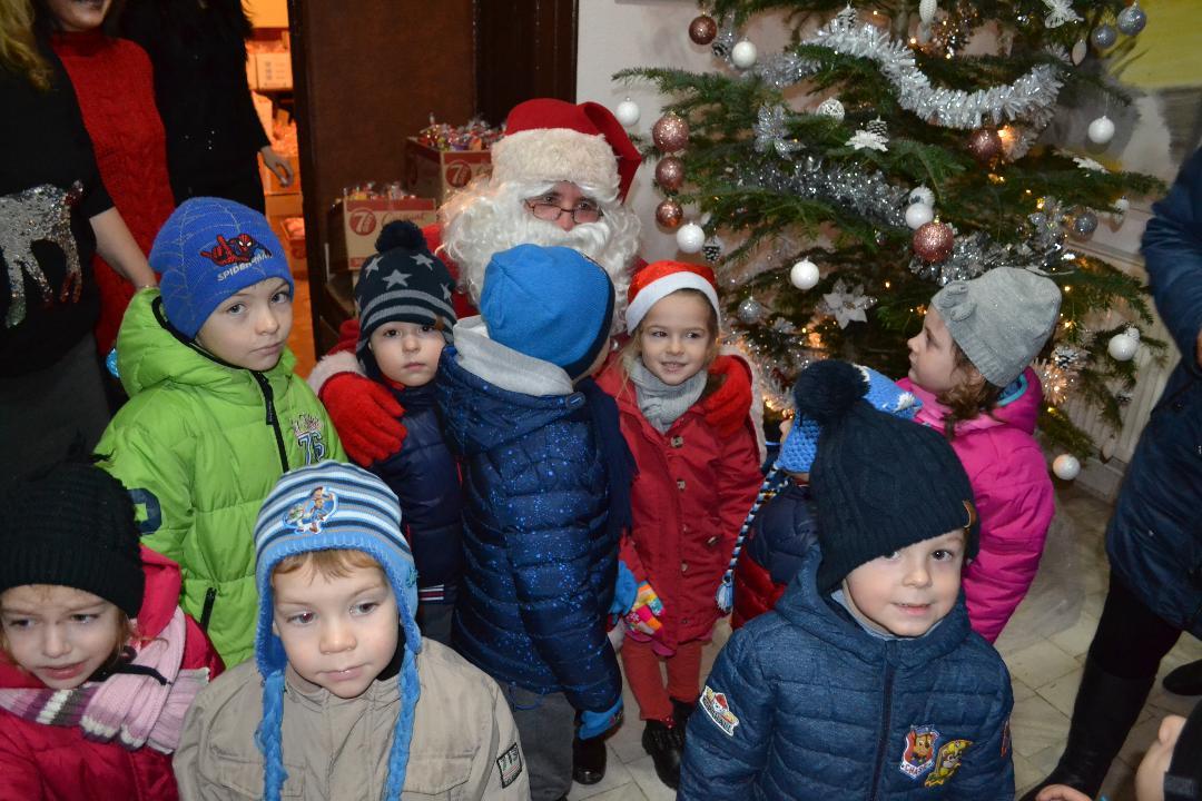 Darurile Moșului au ajuns și la copiii din Negrești Oaș