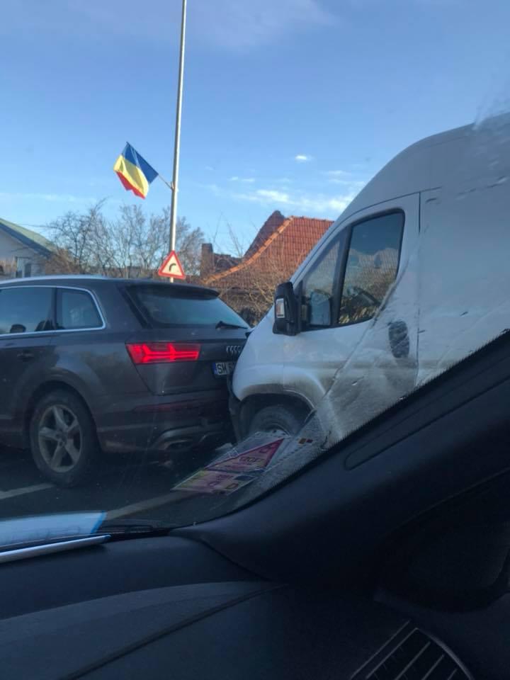 Sătmărean prins într-un carambol cu 5 mașini pe Calea Turzii în Cluj