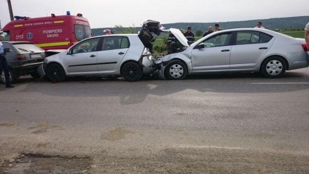 Accident în lanț la Moftin. Trei persoane au fost rănite