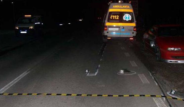 Accident mortal la Odoreu. Un bărbat s-a aventurat să treacă strada prin loc nepermis și a fost lovit în plin