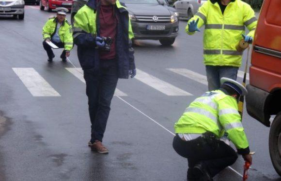 Accident mortal pe strada Aurel Vlaicu. Un tânăr a lovit o femeie care trecea strada pe trecerea de pietoni