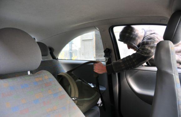 Un puști din Rătești, care a furat o sumă frumușică dintr-o mașină, prins de polițiști