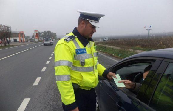 Beat și fără permis, un bărbat din Pelișor a fost oprit la timp de poliție, înainte să facă un accident
