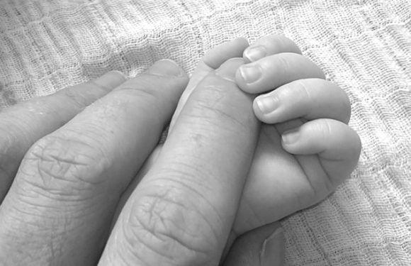 """Cum a fost umilită mama a cărui copil a murit în spital, în ianuarie: """" M-am pus în genunchi, i-am pupat mâinile, în timp ce o rigam să îmi vadă copilul"""""""