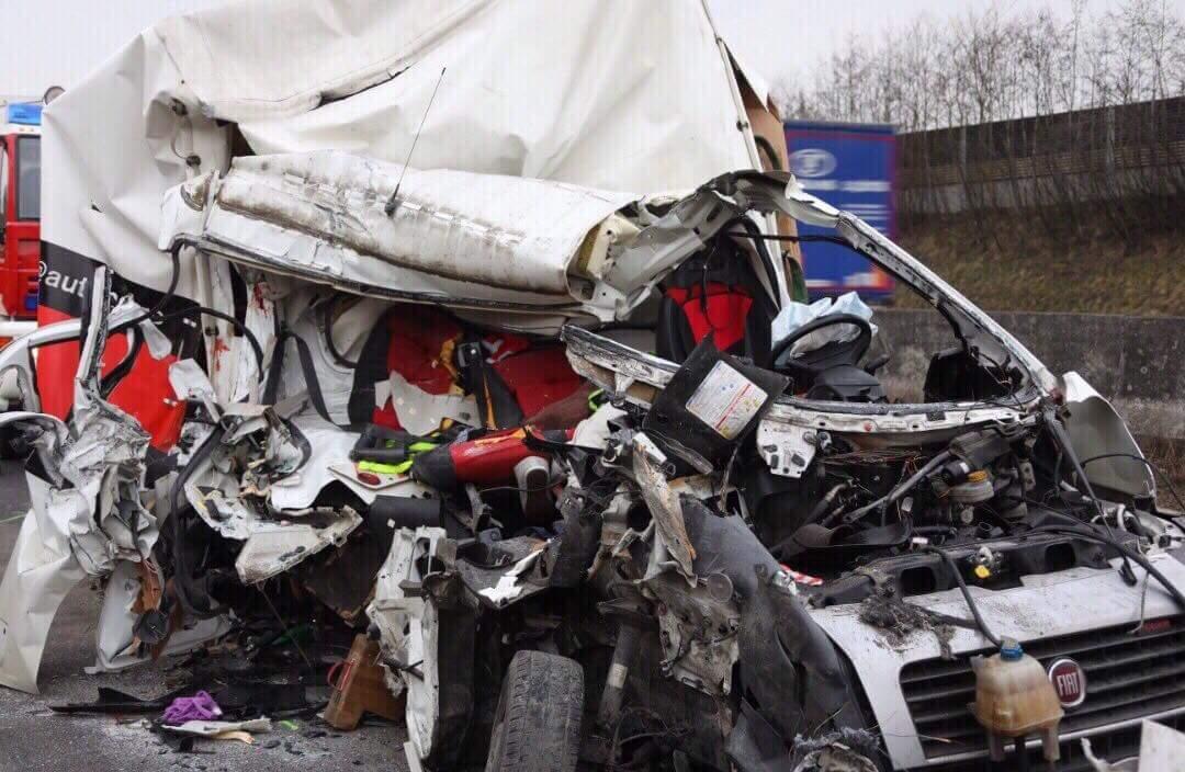 Sătmăreni implicați într-un accident mortal în Austria. Un mort și un altul în comă