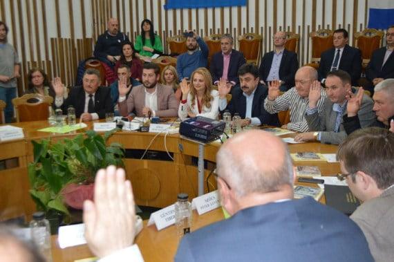 Agitație în politica sătmăreană: PSD e gata să intre la guvernare, UDMR se joaca de-a fata mare