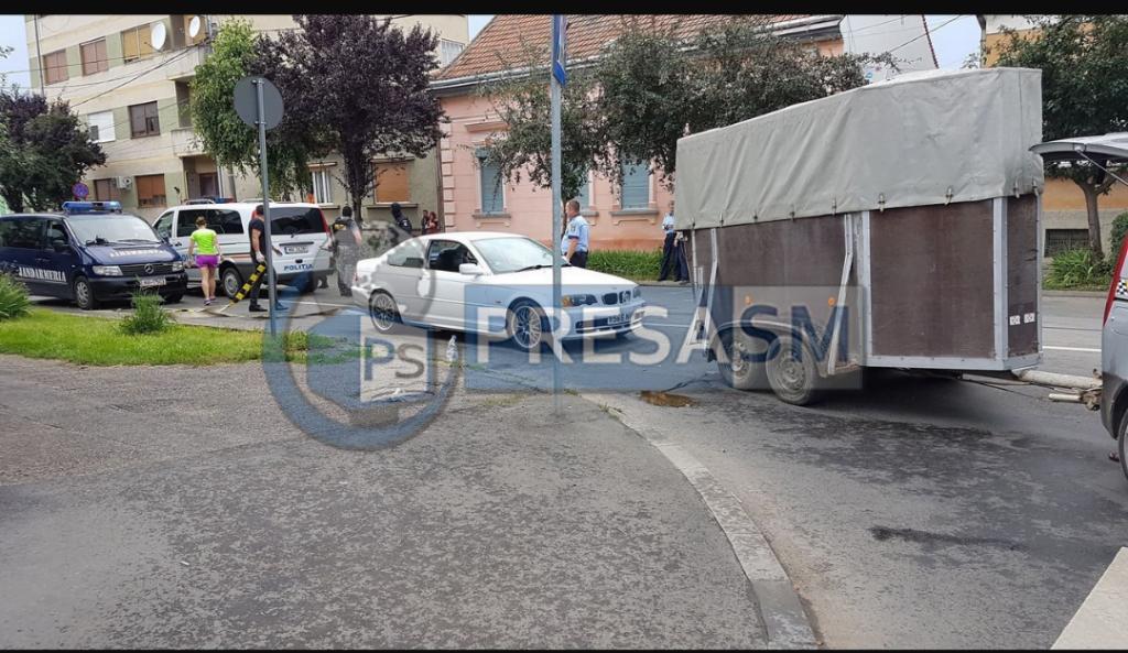 Două persoane arestate și una internată cu tăieturi la cap și umăr în urma răfuielii de ieri dintre clanuri