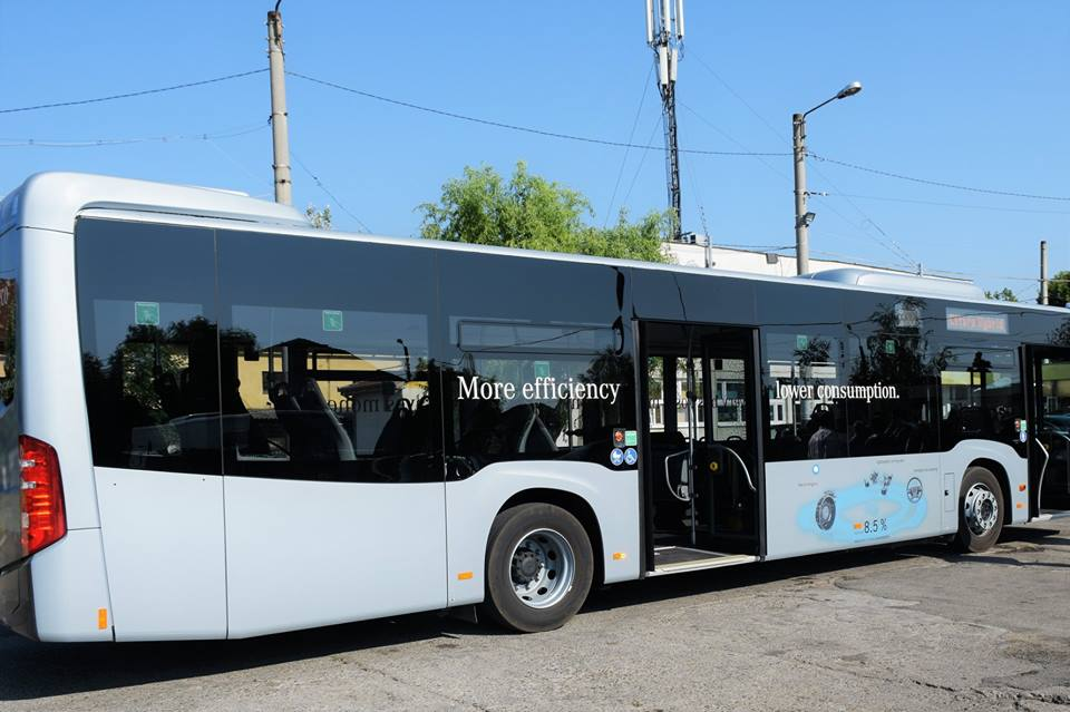 La Satu Mare a ajuns un model din autobuzele hibrid care ar putea să asigure transportul public în municipiu