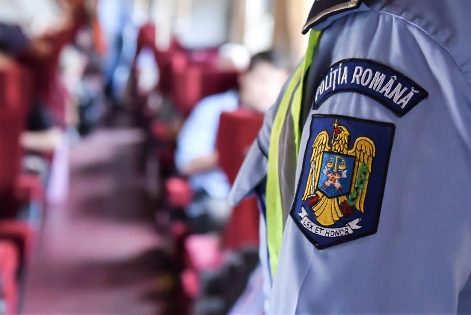 3 certificate de înmatriculare ridicate de poliție