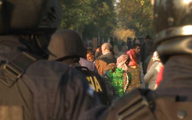 60 de persoane au fost legitimate de politisti in localitatile Petin si Ambud