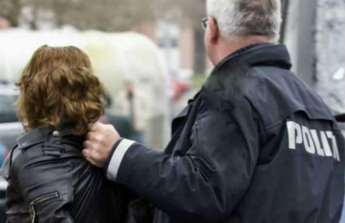 O femeie și un bărbat județ au ajuns după gratii, într-o singură zi