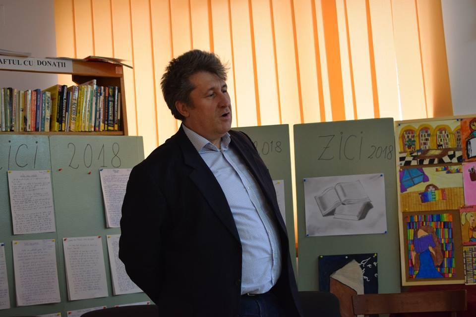 Campania electorală scoate la lumină situații halucinante – la Tășnad primarul s-a făcut stăpân pe primăriei, dormind acolo